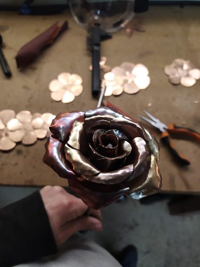 Fabrication de fleurs en cuivre
