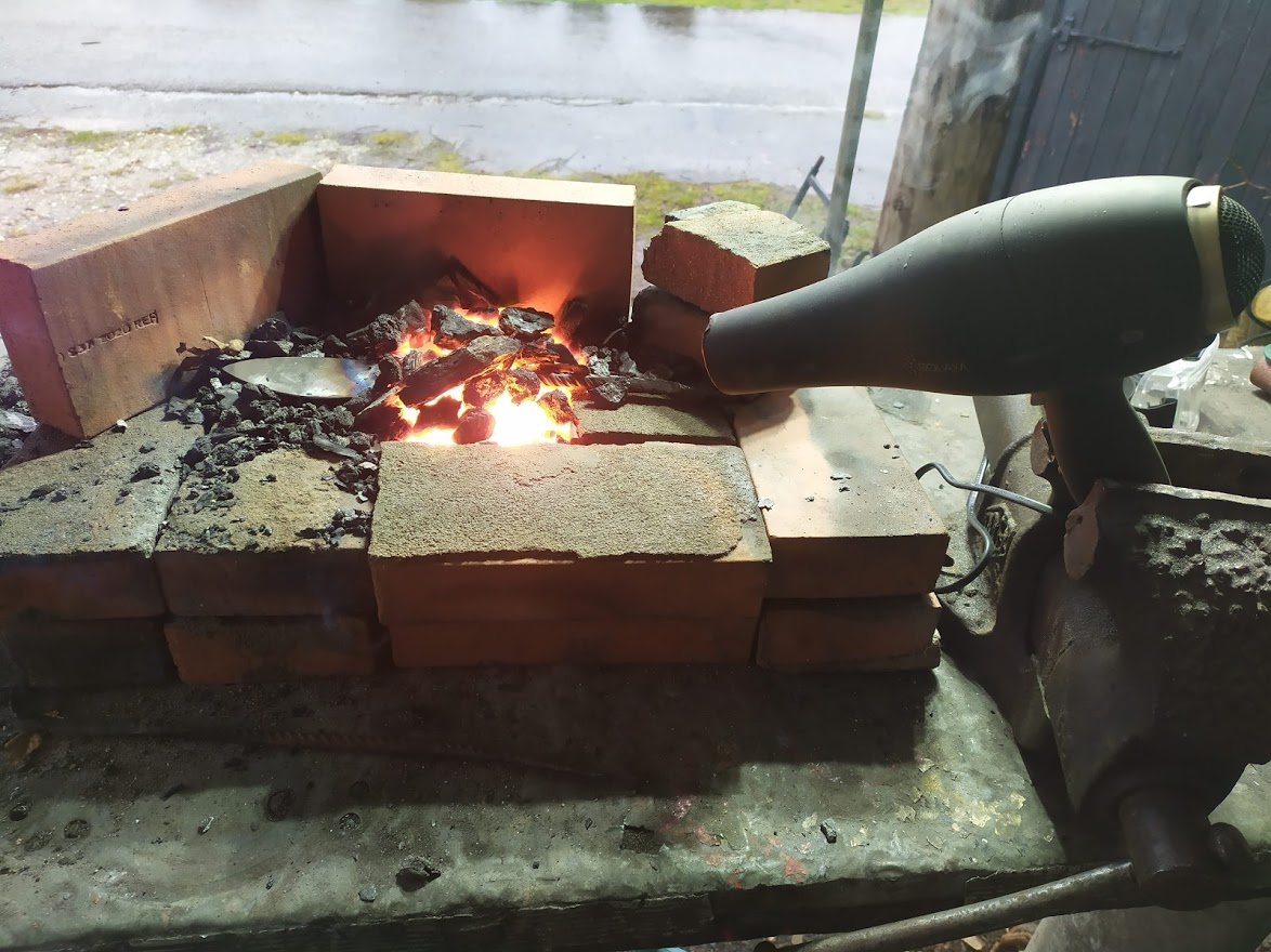 Fabrication d'un foyer de forge !